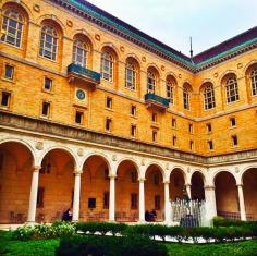 boston-public-library-courtyard
